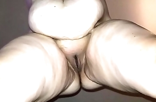 Sexy BBW Squirts all Jilt the Camera