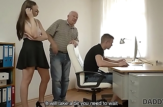 DADDY4K. Red-haired gal couldn'_t resist to charms of handsome elderly man