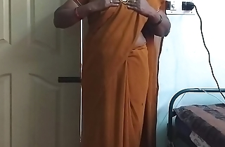 desi  indian horny tamil telugu kannada malayalam hindi cheating wife wearing saree vanitha showing big boobs and shaved pussy press hard boobs press nip rubbing pussy masturbation