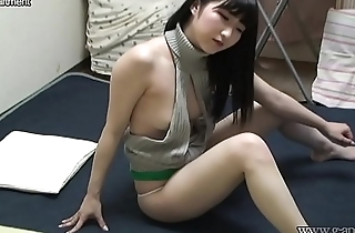 Japanese Teen Maria Downblouse and Cameltoe Wedgie