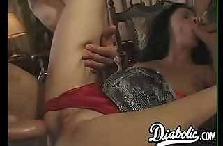 Temptress Beata Dalle pleasuring herself before big dick DP
