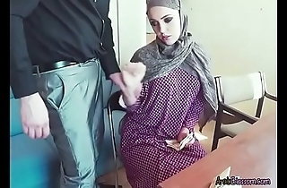 Arab Cutie Zoe Sucks Dick Of Stranger For Wealth