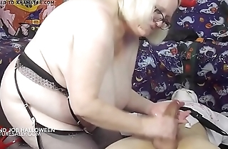 Granny Does Well-disposed