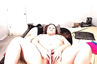 Dirty talk lover BBW Courtney squeezing nipples for milk
