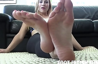 Look at my hot feet in sexy fishnets