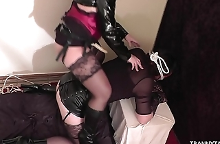 Mistress loves to tale submissive T-Girls