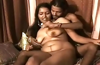Indian sexy bhabhi feeding her tighten one's belt sweet milk